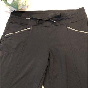 Athleta Black Cropped Pants, Size M